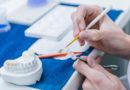 En quoi consiste le travail d'un prothésiste dentaire?